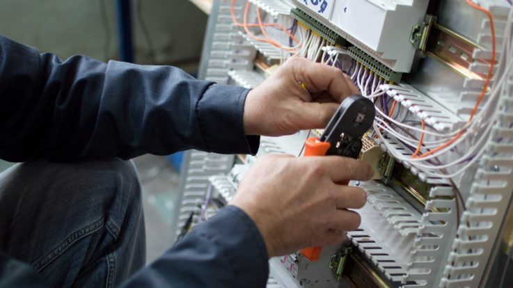 A Commercial Electrician for Your HVAC Needs